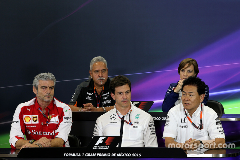 Maurizio Arrivabene, Mercedes AMG F1 e Yasuhisa Arai, Honda