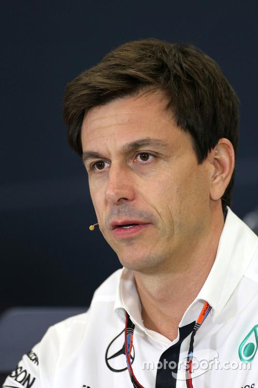 توتو وولف، رئيس فريق مرسيدس