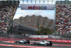 Lewis Hamilton, Mercedes AMG F1 W06, und Nico Rosberg, Mercedes AMG F1 W06