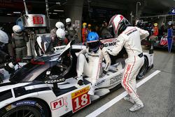 #18 Porsche Team Porsche 919 Hybrid: Ромен Думас, Марк Ліб
