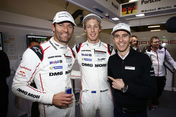 Polesitters Timo Bernhard, Mark Webber, Brendon Hartley, Porsche Team