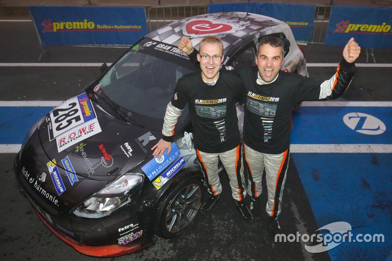 Dirk und Tim Groneck, VLN-Gewinner 2015