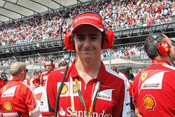Esteban Gutierrez, Ferrari test- en reserverijder op de grid