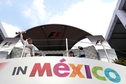 Podium: ganador de la carrera, Nico Rosberg, Mercedes AMG F1 W06