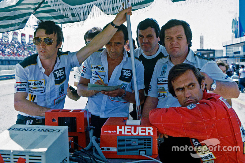Alan Jones, Patrick Head et Carlos Reutemann, en Espagne en 1981