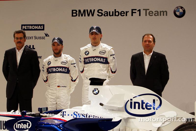 Dr. Mario Theissen, BMW Sauber F1 Team, BMW Motorsport Director, Nick Heidfeld, Robert Kubica, Willy Rampf, BMW-Sauber, Technical Director, pose with the new BMW Sauber F1.08