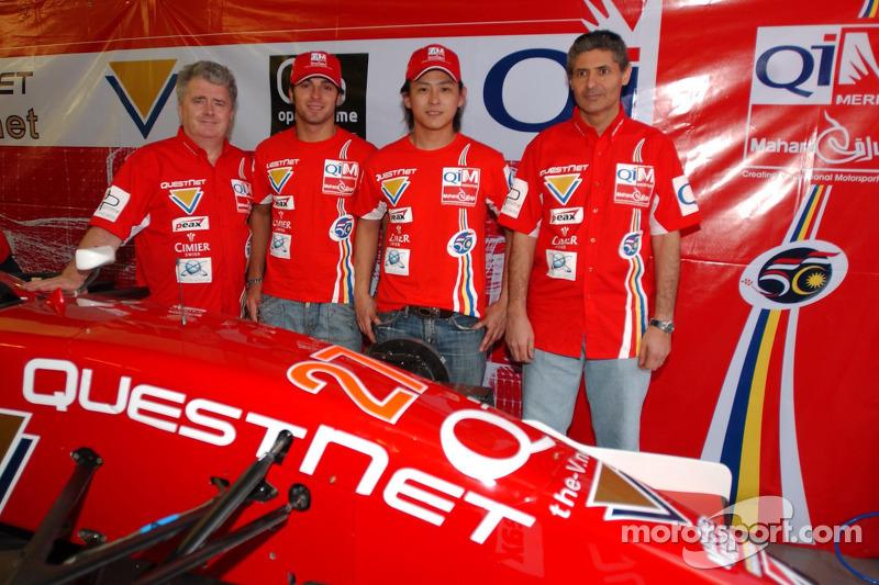 Luca Filippi and Hiroki Yoshimoto with Qi-Meritus.Mahara team members