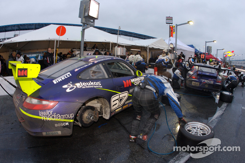 Pitstop for #67 TRG Porsche GT3 Cup: Emanuel Collard, Romain Dumas, Tim George Jr., Spencer Pumpelly, Bryan Sellers