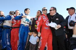 Memo Rojas, Juan Pablo Montoya, Dario Franchitti, Chip Ganassi and Felix Sabates celebrate win