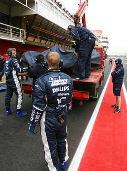 Kazuki Nakajima's FW30 after he crashes because of steering failure