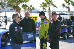 Jeg Coughlin chats with Justin Humphreys and crew in the staging lanes awaiting qualifying