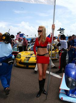 Lovely Kumho Tires grid girl