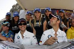 Fiesta en la ciudad de Puebla con pilotos y equipos con el equipo BMW