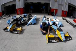 Durango bodywork in the pits