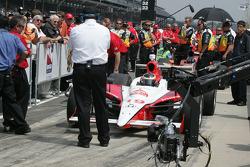 Mario Moraes waits to qualify