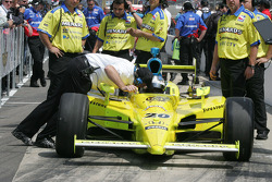 Brian Barnhart goes over qualifying with Ed Carpenter