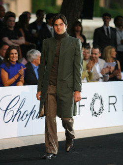 Nelson A. Piquet, Renault F1 Team Amber Fashion which benefits the  Elton John Aids Foundation