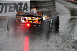 Fernando Alonso, Renault F1 Team with a puncture