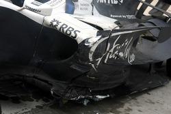 Crash damaged, Nico Rosberg, WilliamsF1 Team, FW30