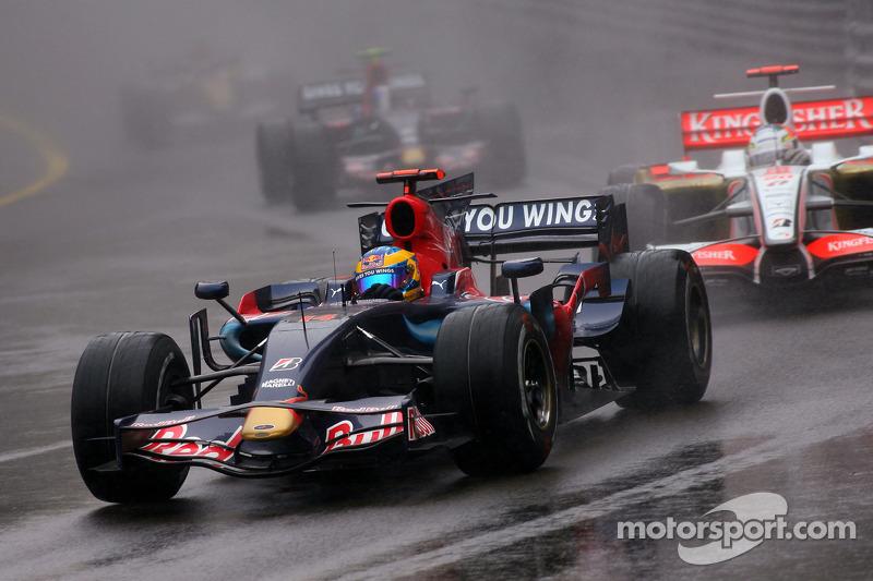 2008 yılında Liuzzi takımdan gönderilirken, yerini Sebastien Bourdais aldı.