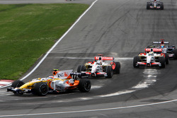 Nelson A. Piquet, Renault F1 Team leads Adrian Sutil, Force India F1 Team