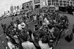 Media scrum after FIA basın toplantısı