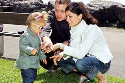 Sébastien Bourdais, Scuderia Toro Rosso with his daughter Emma and wife Claire