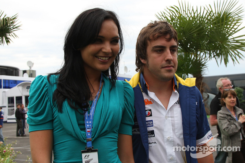 Miss France and Fernando Alonso, Renault F1 Team