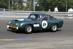 #26 Aston Martin DB4 GT 1960: Peter Thornton, David Garrett