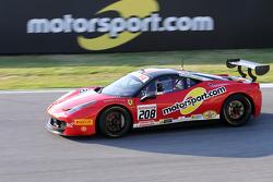 #208 Ferrai of Fort Lauderdale Ferrari 458 met logo Motorsport.com