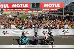 Campeões de 2015 no Mundial de Motovelocidade: Danny kent (Moto3), Jorge Lorenzo (MotoGP) e Johann Zarco (Moto2)