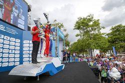 Podio: secondo Sam Bird, DS Virgin Racign Formula E Team, primo Lucas di Grass, Abt Schaeffler Audi Sport, Antonio Felix da Costa, Amlin, terzo,