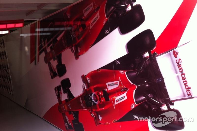 Entrada pit Ferrari