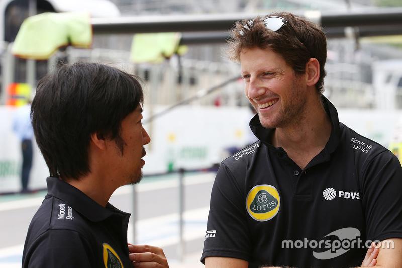 آيو كوماتسو، مهندس السباق في فريق لوتس مع رومان غروجان، لوتس