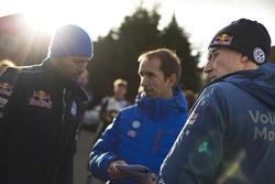Fabrice Van Ertvelde, Volkswagen Motorsport Chief Engineer met Jari-Matti Latvala, Volkswagen Motorsport