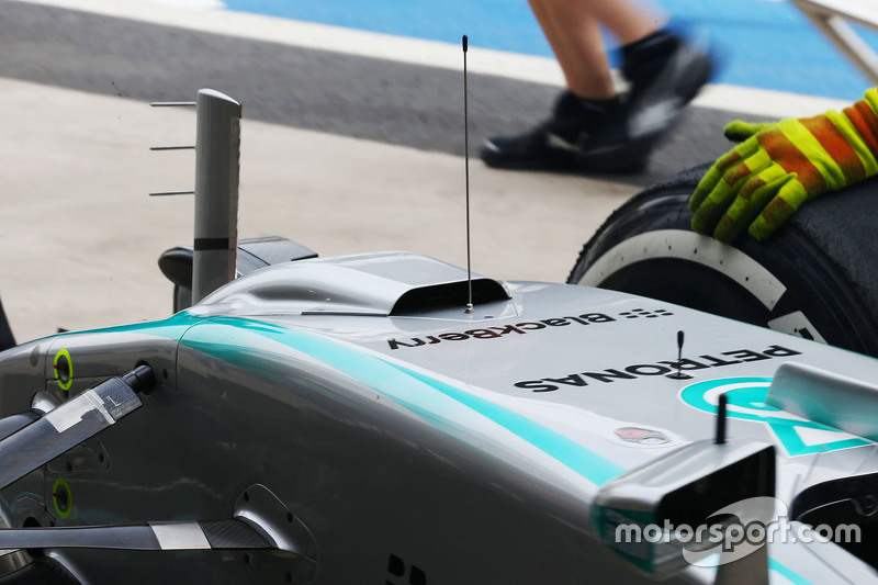 Mercedes AMG F1 W06 з a duct on the nosecone