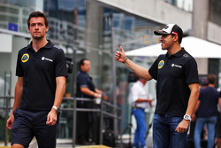 (L to R): Jolyon Palmer, Lotus F1 Team Test and Reserve Driver with Pastor Maldonado, Lotus F1 Team