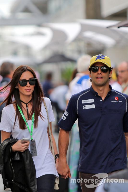 Felipe Nasr e a namorada, Giulia Maria Testoni também chegam ao paddock