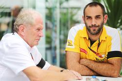 Dr Helmut Marko, Red Bull Motorsport Consultant met Cyril Abiteboul, Renault Sport F1 Managing Direc
