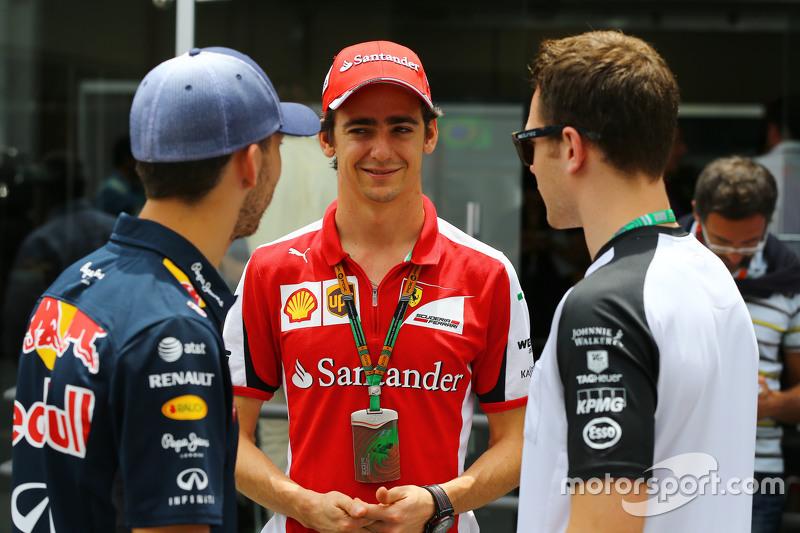 Pierre Gasly, Red Bull Racing, Testfahrer, mit Esteban Gutierrez, Ferrari, Test- und Ersatzfahrer, und Stoffel Vandoorne, McLaren, Test- und Ersatzfahrer