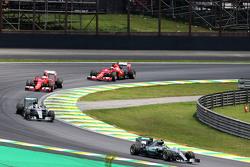 Нико Росберг, Mercedes AMG F1 W06 на старте гонки