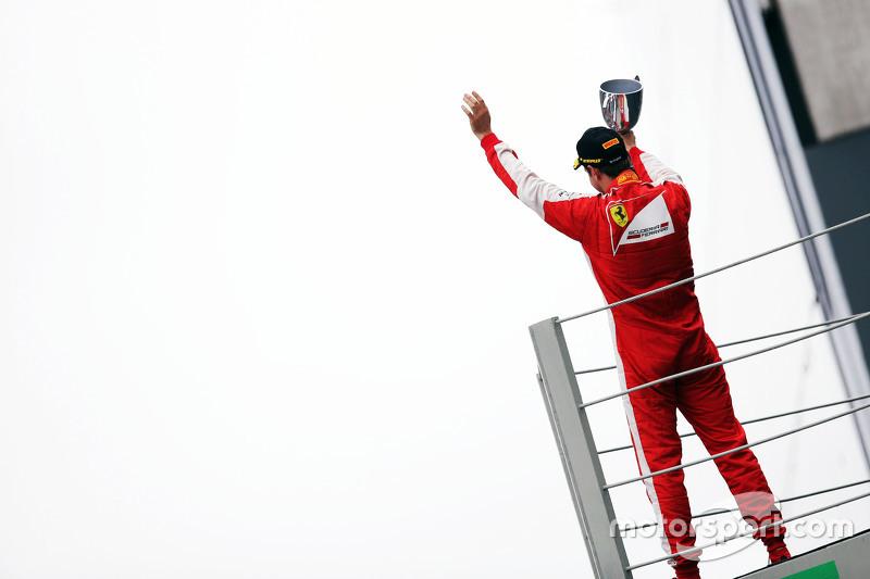 Sebastian Vettel, Ferrari, feiert Platz 3 auf dem Podium
