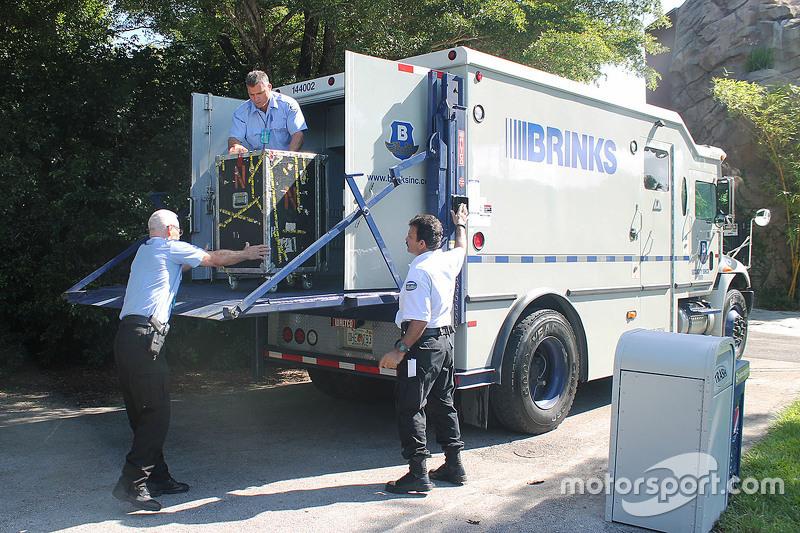 Sicherheitstransport im Zoo von Miami