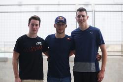 Второе место - Стоффель Вандорн, ART Grand Prix, обладатель поула - Пьер Гасли, DAMS и третье место Рафаэле Марчелло, Trident