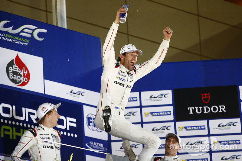Les champions 2015 : Mark Webber, Brendon Hartley et Timo Bernhard