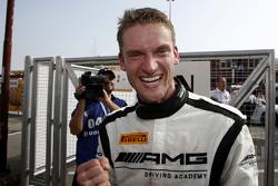 Переможець Маро Енгел, Mercedes AMG Driving Academy