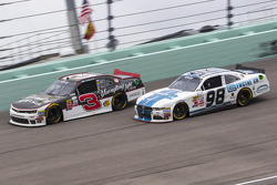 Ty Dillon, Richard Childress Racing Chevrolet and Aric Almirola, Biagi-DenBeste Racing Ford