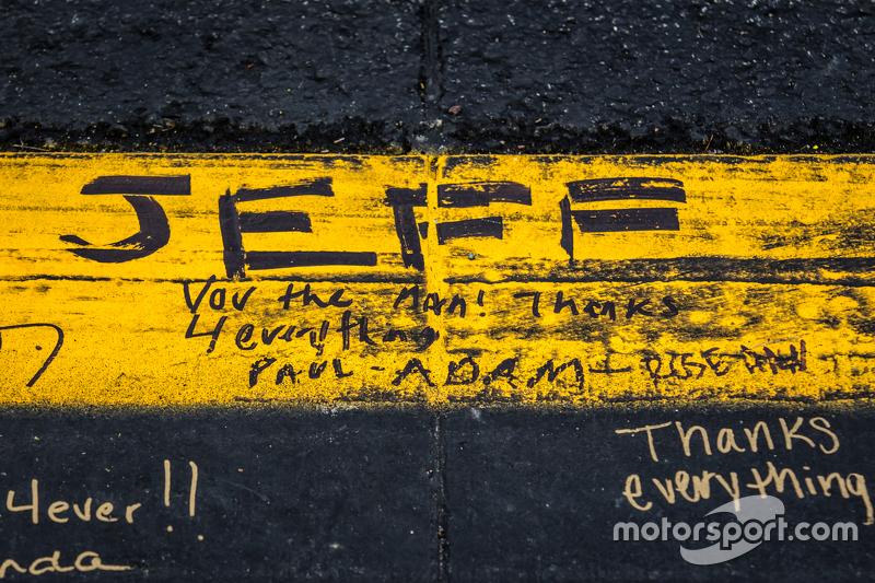 Fans schreiben Nachrichten an Jeff Gordon, Hendrick Motorsports Chevrolet