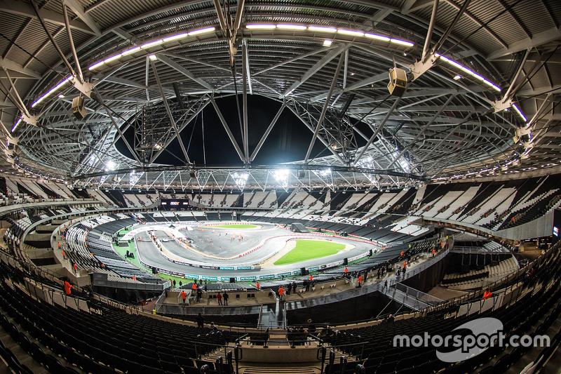 Огляд London Olympic Stadium