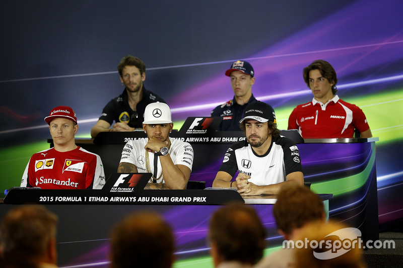 Die FIA-Pressekonferenz: Romain Grosjean, Lotus F1 Team; Daniil Kvyat, Red Bull Racing; Roberto Merh